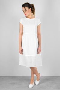 """Balta lininė suknelė, pasiūta AB """"Siūlas"""""""